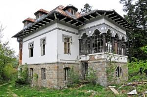 Demolishing Old Home